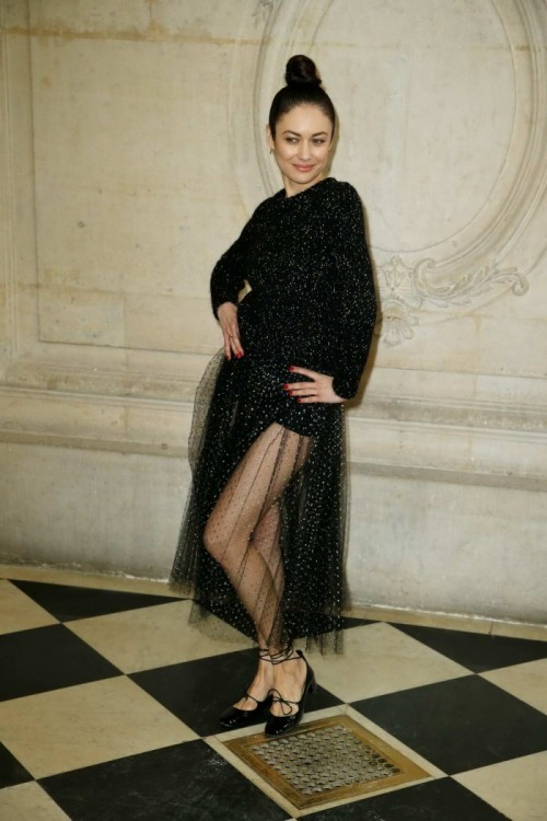 olga-kurylenko-attends-christian-dior-show-fall-winter-2018-2019-during-paris-fashion-week-france-270218_6.jpg