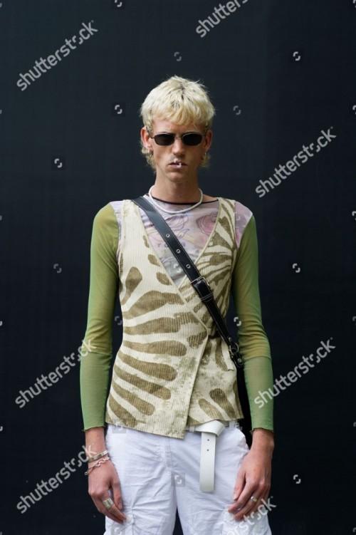 street-style-spring-summer-2019-london-fashion-week-mens-london-uk-shutterstock-editorial-9709762a.jpg