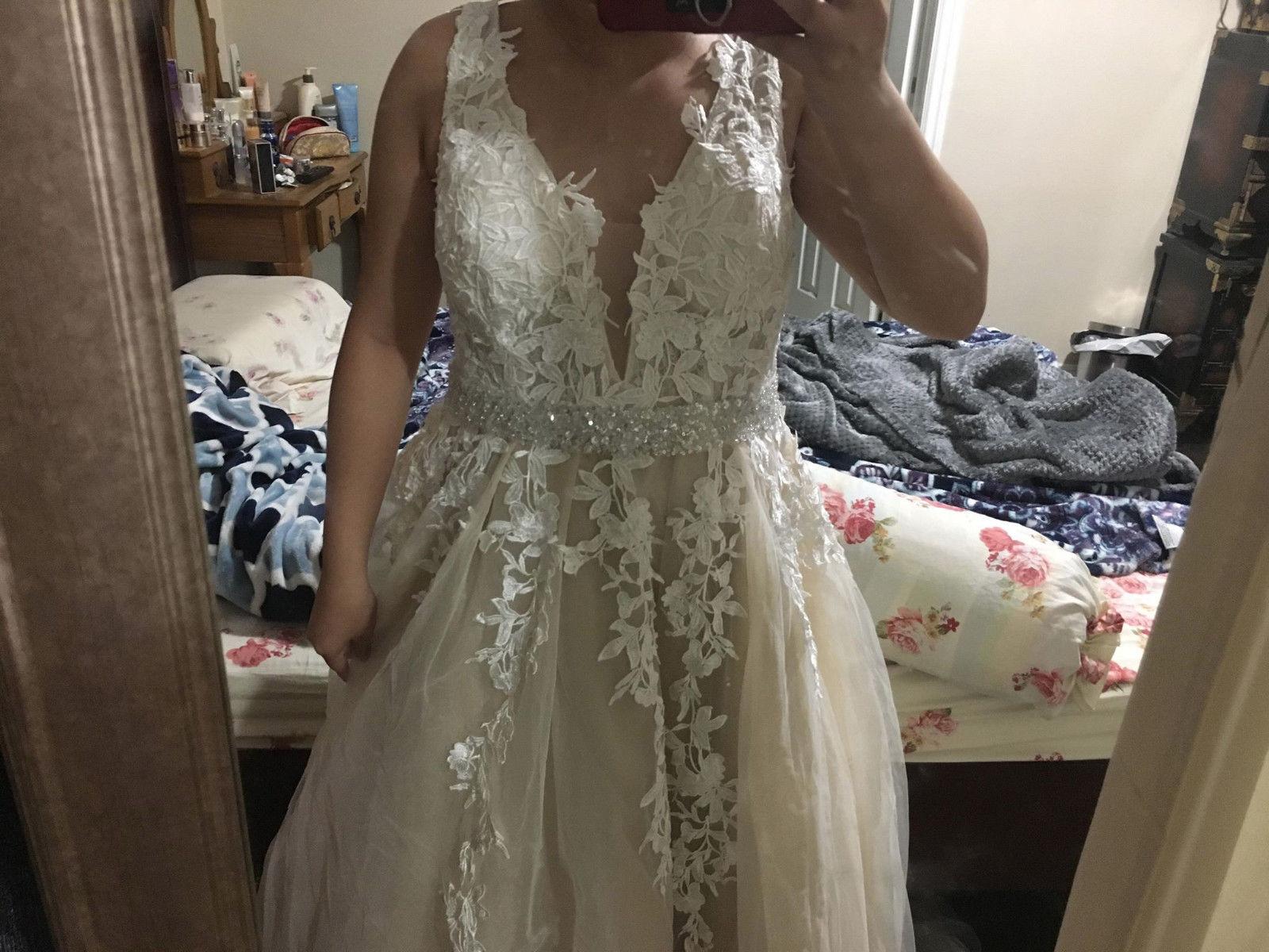 Beige Elegant V Neck Bridesmaid Dress: Awesome Never Worn Beige Long Lace Bodice V Neck Floral