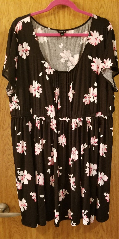 Great Torrid Black Floral Pintuck Challis Mini Dress Plus