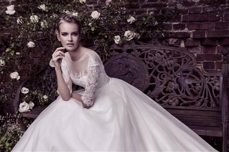 backless fishtail wedding dress