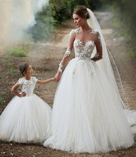 beautiful white lace wedding dresses