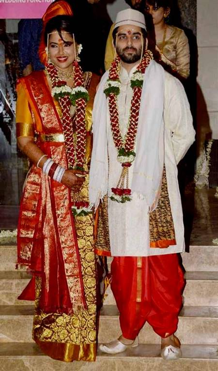 marathi couple traditional dress