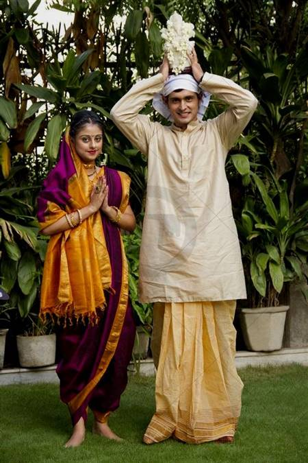 Marathi Couple Traditional Dress  B2B Fashion-2962
