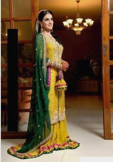 pakistani bridal mehndi dress