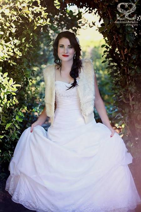 snow white wedding dress once upon a time