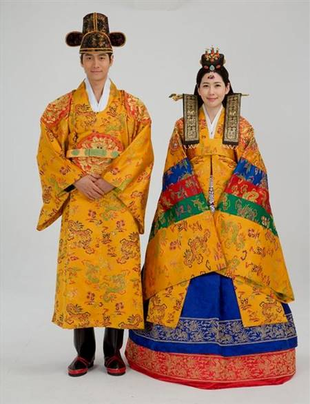 traditional south korean wedding dress