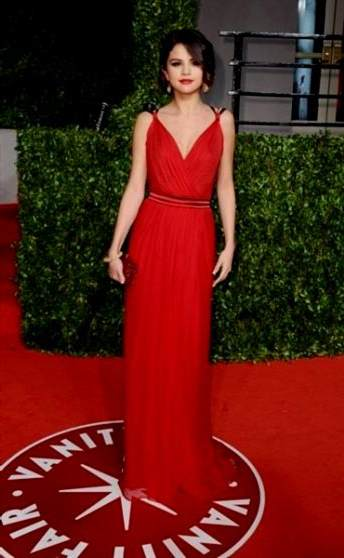 selena gomez dresses red carpet