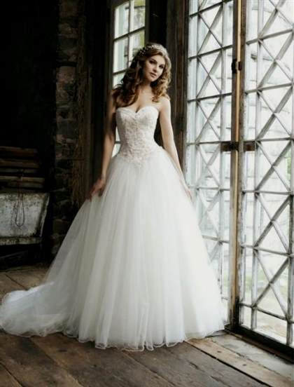 sweetheart ball gown wedding dress