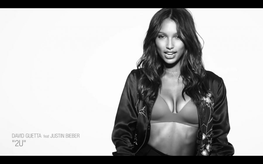 "Victoria's Secret Angels In David Guetta ""2 U"" Music Video 2020"